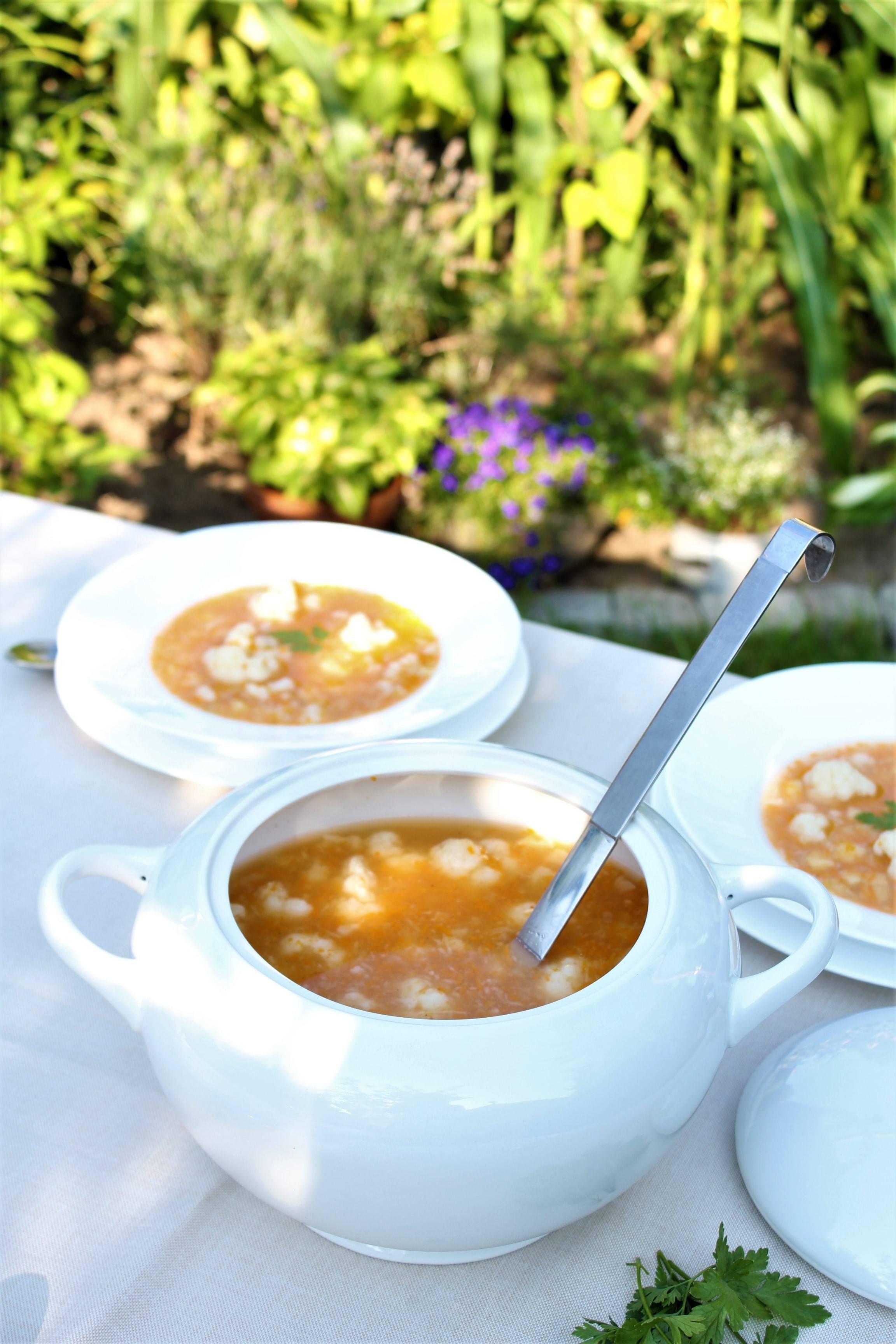 Przepis na zupę kalafiorową wegetariańską