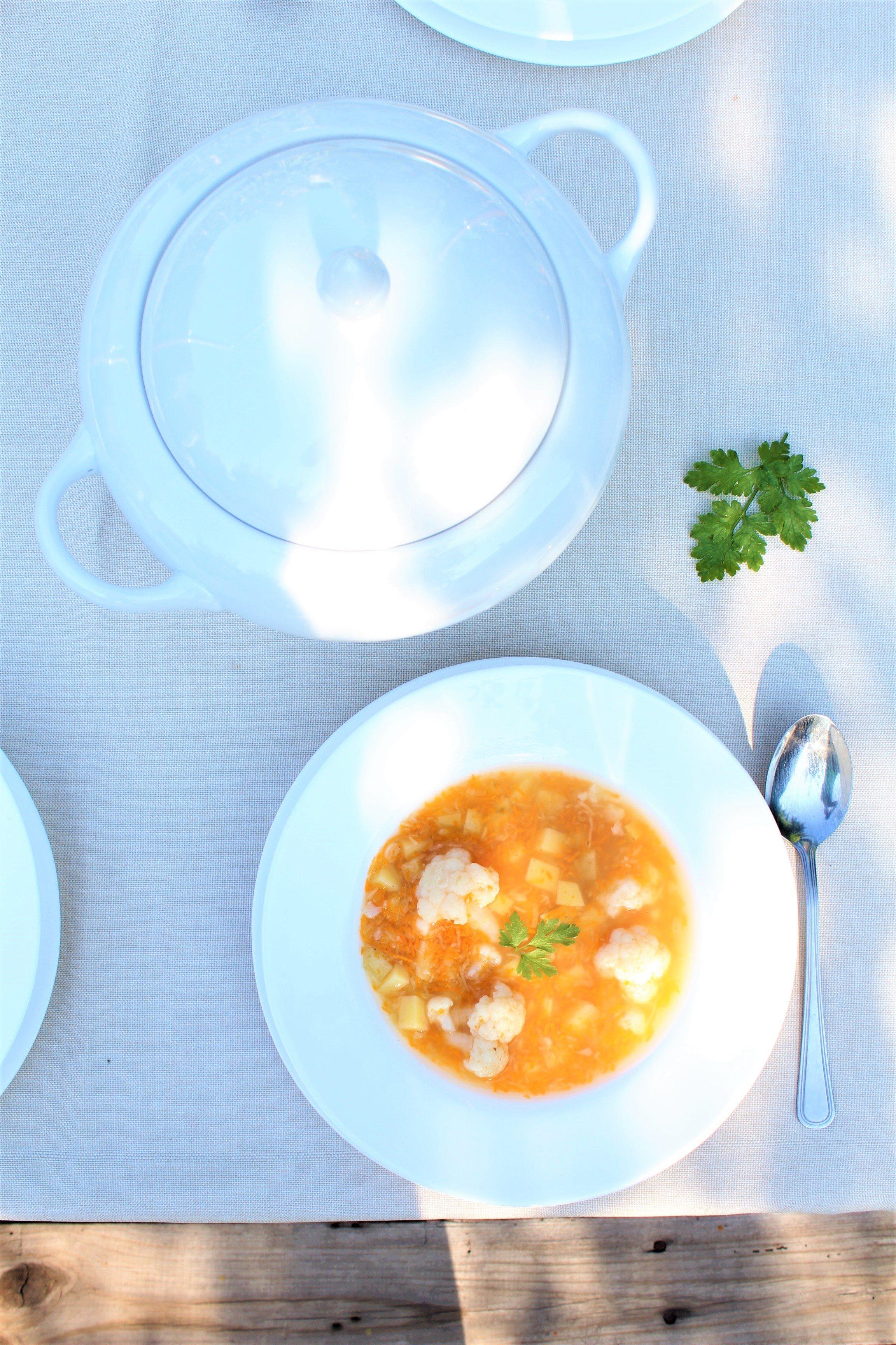 Pyszna zupa kalafiorowa przepis bez mięsa