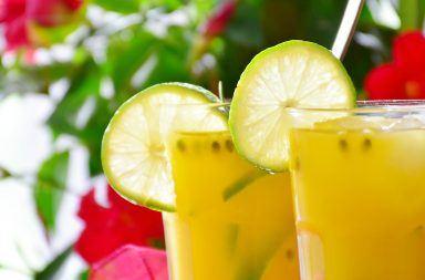 Przepis na koktajl pomarańczowy z marakują i limonką