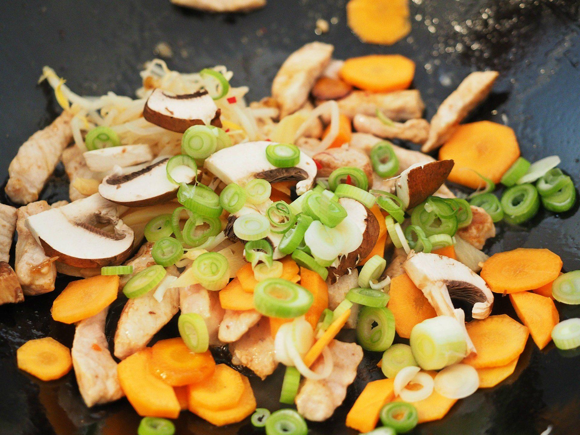 Kurczak z warzywami z woka - przepis
