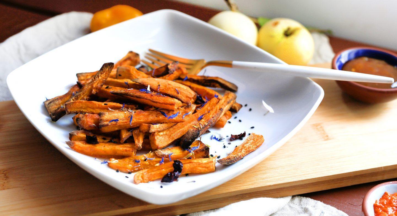 Zdrowe frytki z batatów z piekarnika - przepis