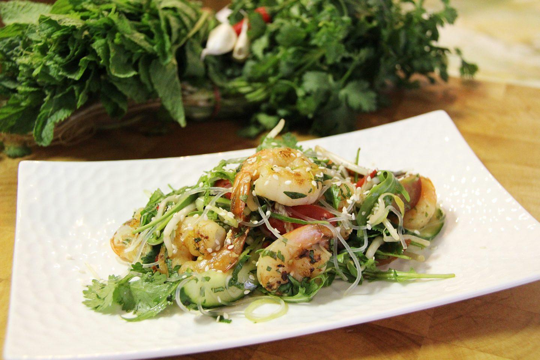 Przepis Na Salatke Z Krewetkami Koktajlowymi Rukola I Zielonym Ogorkiem