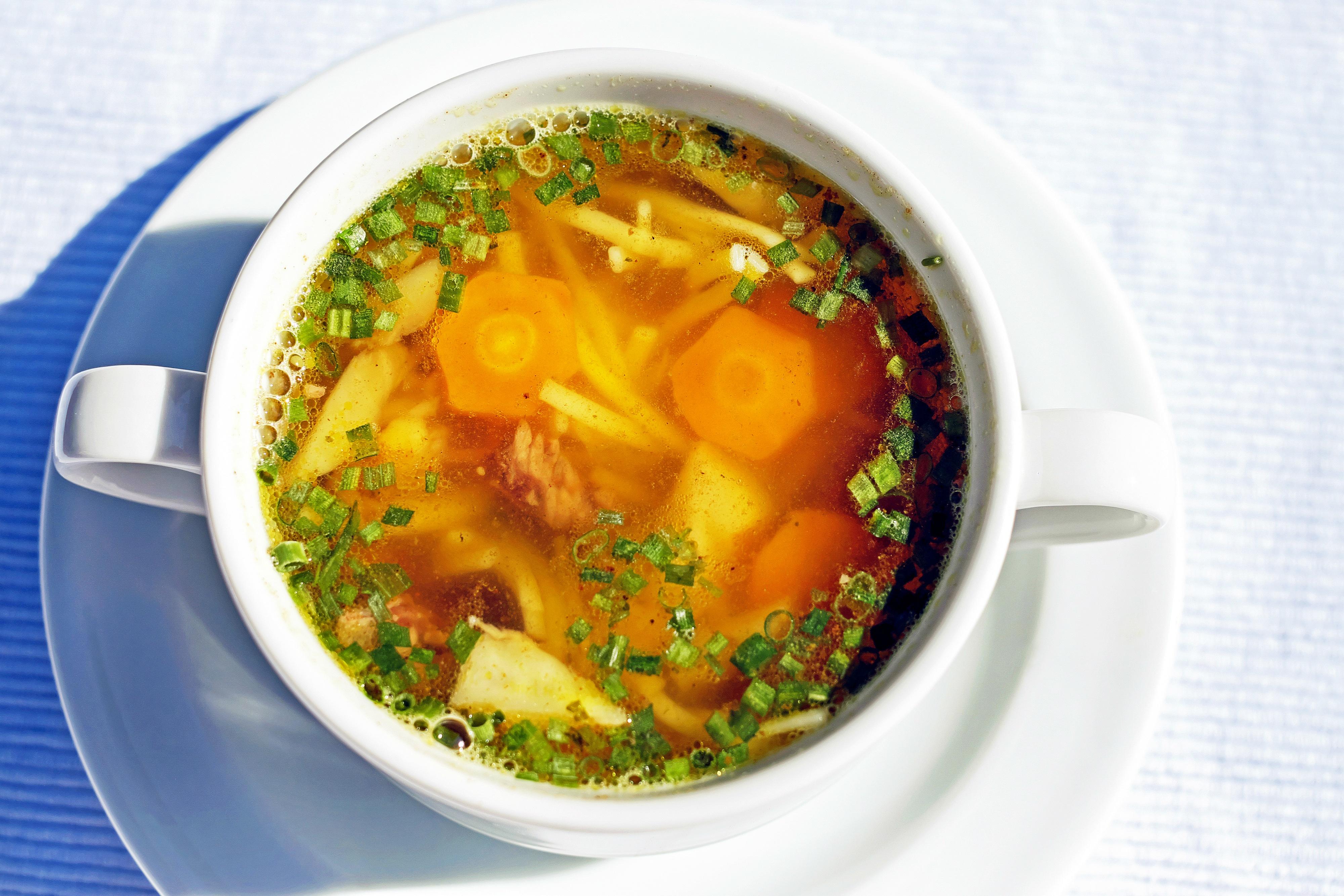 Tradycyjny rosół z kury - przepis