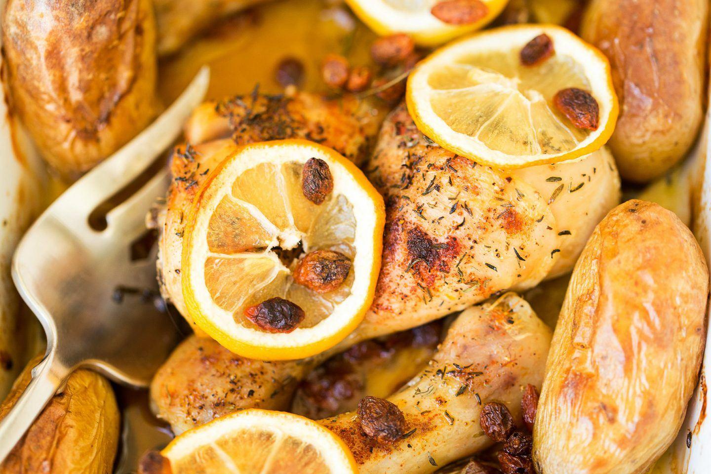 Udka z kurczaka pieczone z cytryną i ziemniakami - przepis