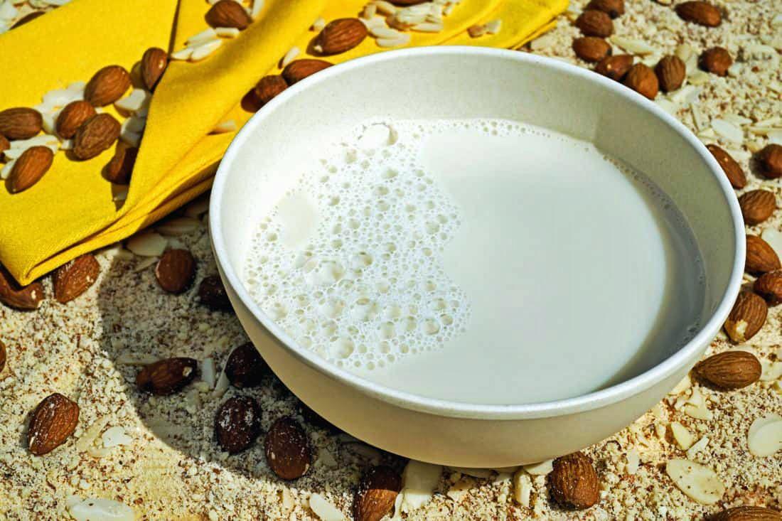 Wigilijna zupa migdałowa na mleku – przepis