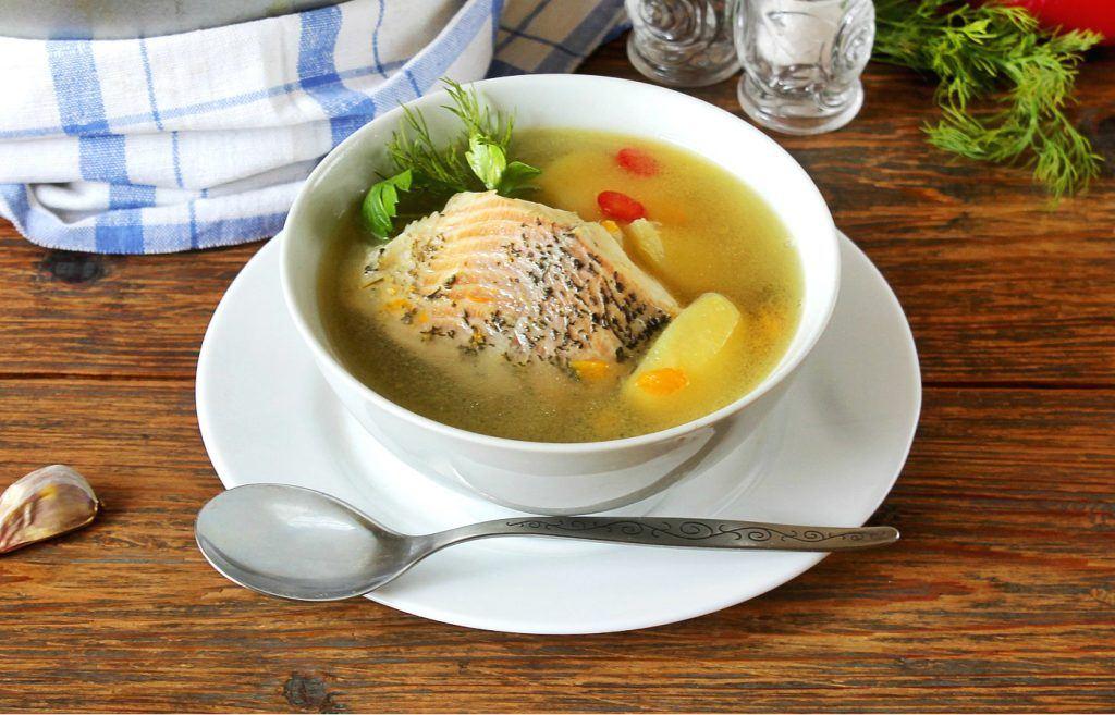 Wigilijna zupa rybna z karpia - przepis