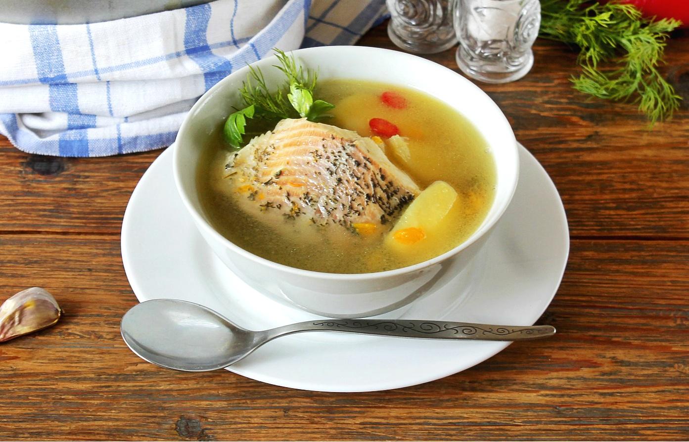 Wigilijna zupa rybna z karpia – przepis