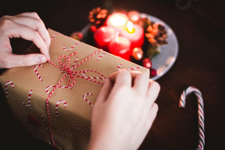 Jaki prezent dla mamy na Święta Bożego Narodzenia? Zobacz propozycje