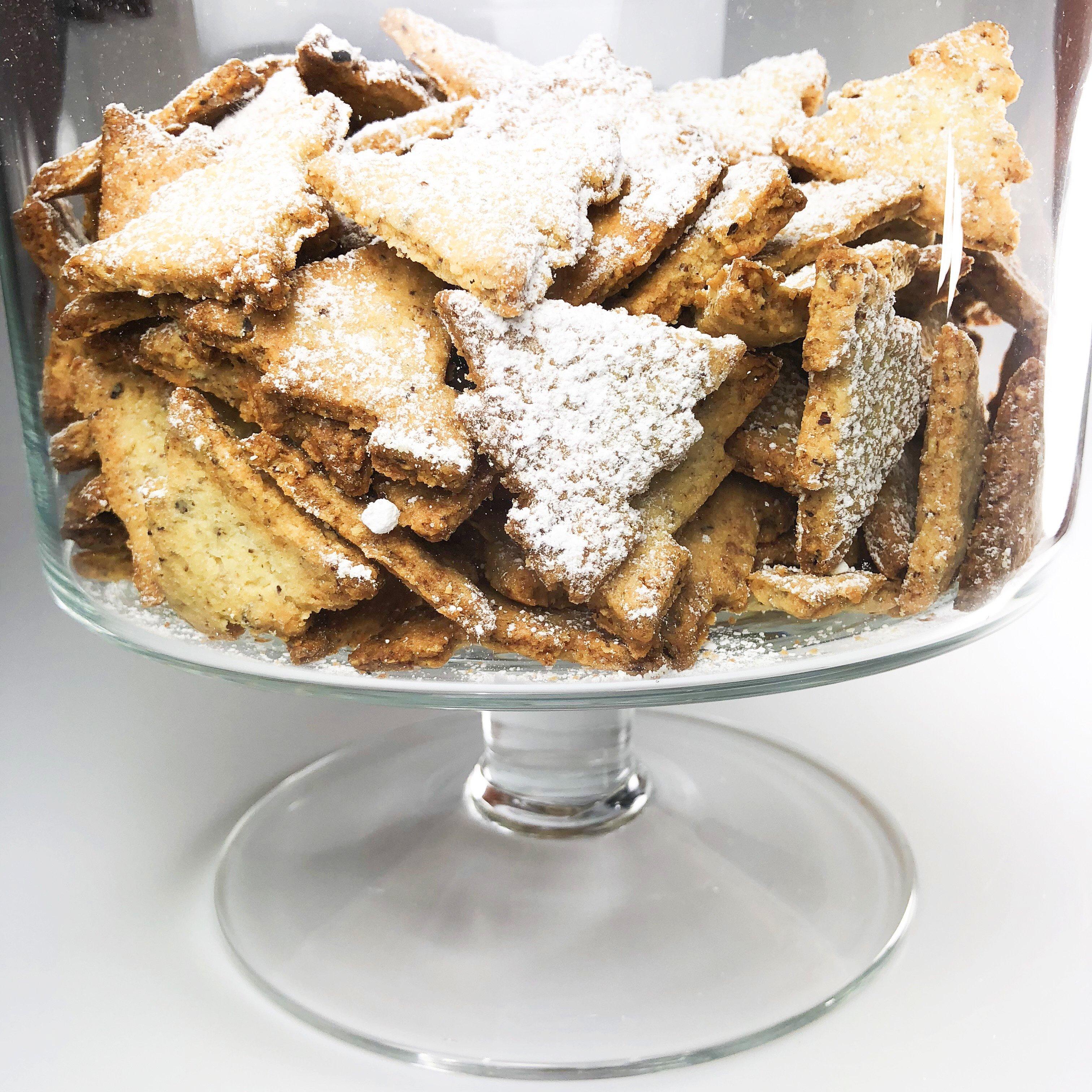 Ciasteczka świąteczne – choinki orzechowe