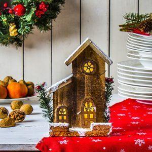 Domek świąteczny LED drewniany