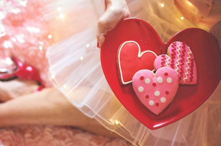ciasta i desery na walentynki w kształcie serca