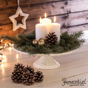 stroiki świąteczne z szyszkami
