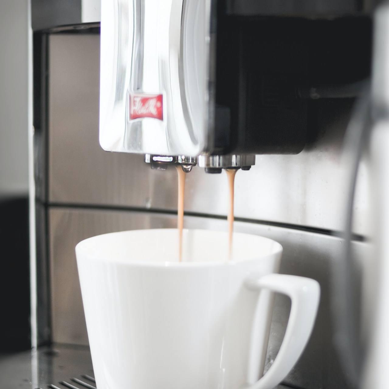 Kawiarka czy ekspres ciśnieniowy