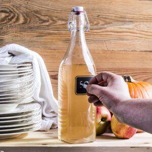Butelka szklana z etykietą