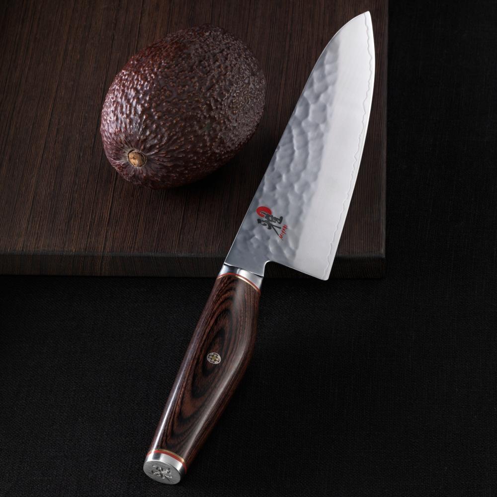Nóż Gyutoh marki Myiabi.