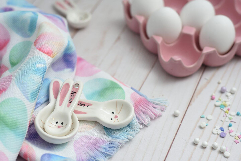 Pastelowa Wielkanoc – dekoracje i naczynia w odcieniach pasteli