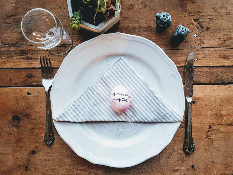 Wielkanocna zastawa stołowa – przegląd naczyń na Wielkanoc 2021
