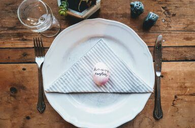 Wielkanocna zastawa stołowa