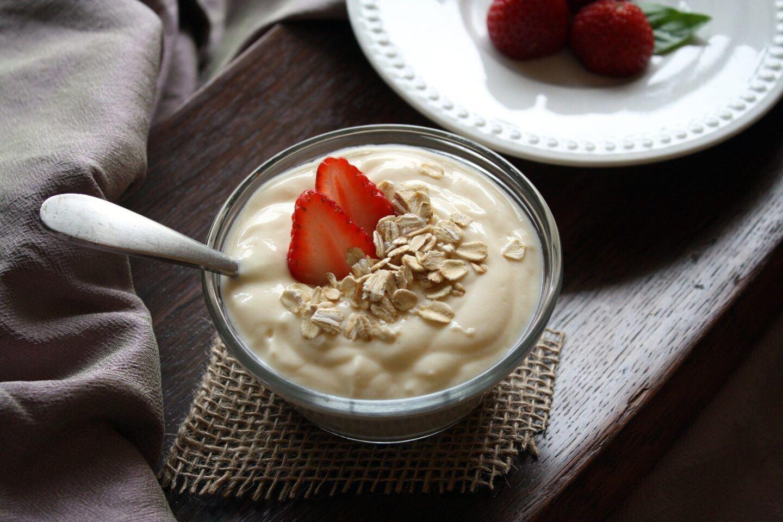 Jak zrobić domowy jogurt w jogurtownicy?