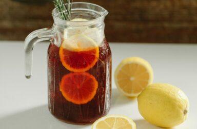 Herbata mrożona - jak ją zrobić i w czym serwować?
