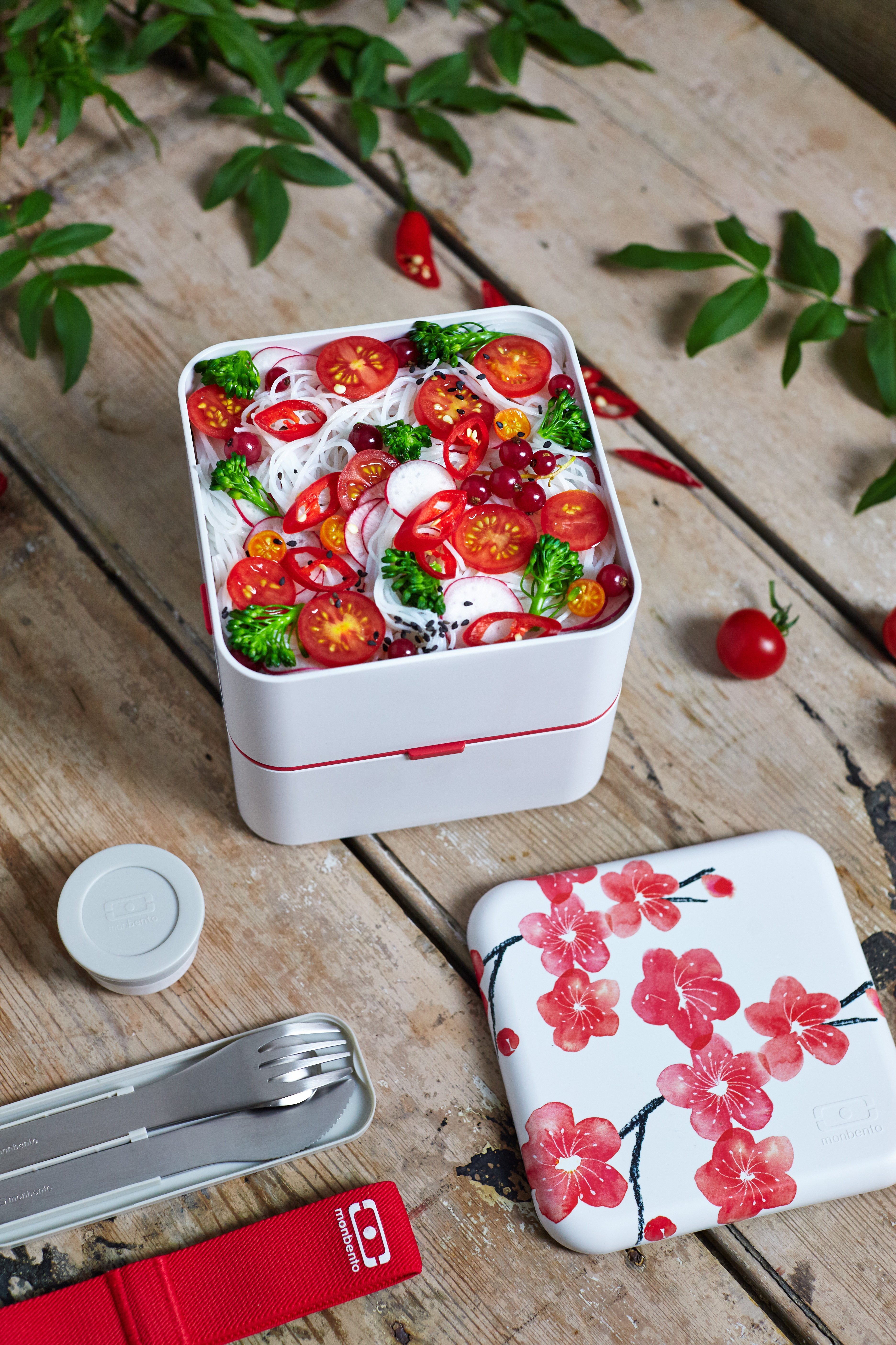 bento box w kwiaty