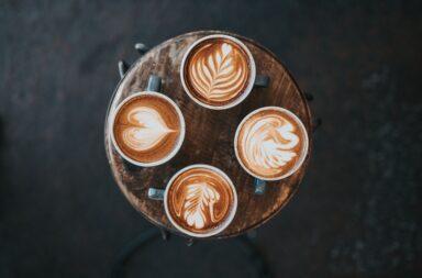 kawa ze wzorkiem