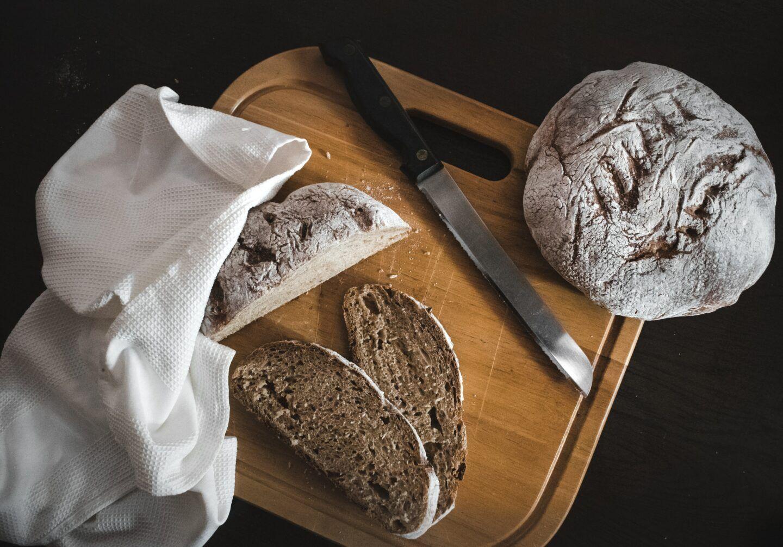 Jaki nóż do chleba premium wybrać? Podpowiadamy, na co zwrócić uwagę