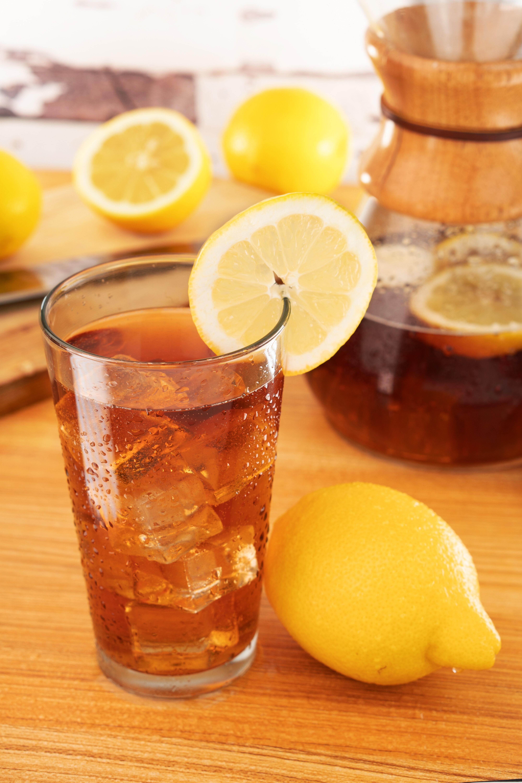 herbata mrożona z cytryną