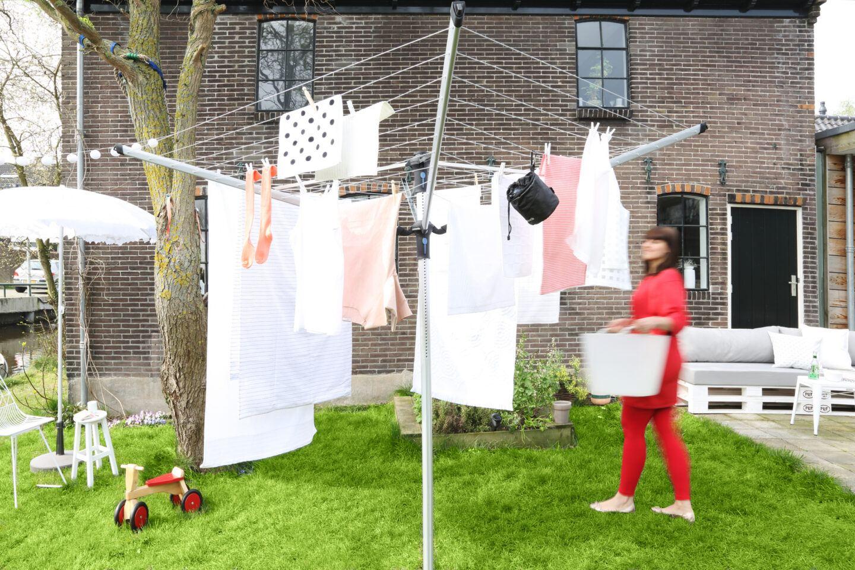Suszarka ogrodowa czy do domu? Zorganizuj swoją przestrzeń na pranie!