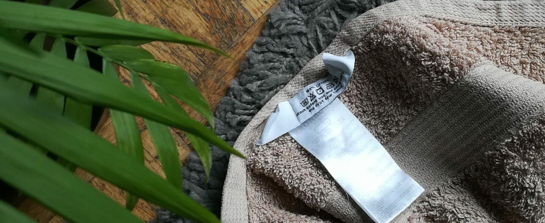 Co nam mówią oznaczenia na metkach? Dowiedz się, jak prasować i prać swoje ubrania!