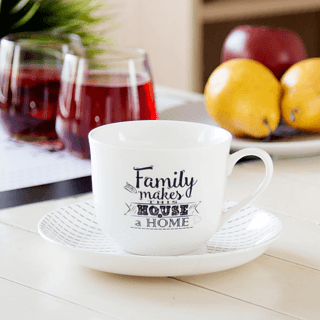 Filiżanka porcelanowa ze spodkiem FAMILY HOME JUMBO STRIPES 430 ml