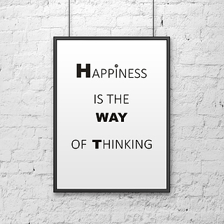 Plakat z napisami dekoracyjny DEKOSIGN  HAPPINESS IS THE WAY OF THINKING WHITE 70 x 50 cm