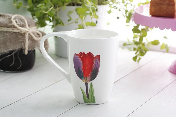 Kubek porcelanowy TULIP DESIGN 420 ml